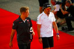 Fernando Alonso, McLaren, and Kevin Magnussen, Haas F1 Team, in the drivers parade