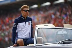 Sergey Sirotkin, Williams Racing, lors de la parade des pilotes