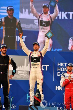 Podio: il vincitore della gara, Sam Bird, DS Virgin Racing, il secondo classificato Jean-Eric Vergne