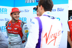 Daniel Abt, Audi Sport ABT Schaeffler, parle avec Alex Lynn, DS Virgin Racing, Oliver Turvey, NIO Formula E Team