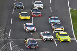 Aric Almirola, Stewart-Haas Racing, Ford Fusion Smithfield/Waffle House, Erik Jones, Joe Gibbs Racing, Toyota Camry Sport Clips and Paul Menard, Wood Brothers Racing, Ford Fusion Menards / Knauf