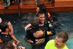 Race winner Daniel Ricciardo, Red Bull Racing celebrates with the team in the Red Bull Racing Energy Station swimming pool