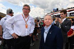 روس براون، المدير العام الرياضي للفورمولا واحد وجان تود، رئيس الاتّحاد الدولي للسيارات