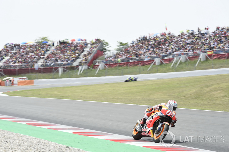 "#3 <img class=""ms-flag-img ms-flag-img_s1"" title=""Spain"" src=""https://cdn-6.motorsport.com/static/img/cf/es-3.svg"" alt=""Spain"" width=""32"" /> Barcelone - 348,8 km/h"