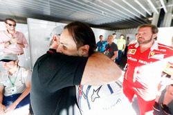 Felipe Massa, Williams FW40, met zijn vader na zijn laatste thuisrace