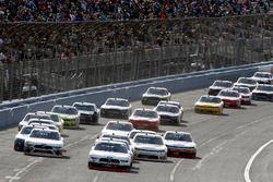 Joey Logano, Team Penske, Ford Mustang Discount Tire leads the final restart