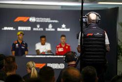 Daniel Ricciardo, Red Bull Racing, Lewis Hamilton, Mercedes AMG F1, ve Sebastian Vettel, Ferrari