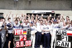 2. Nick Heidfeld, BMW Sauber F1.08, yarış galibi Robert Kubica, BMW Sauber F1.08, Mario Theissen, Direktör, BMW Motorsport ve Willy Rampf, Teknik Direktörü, BMW Sauber, takım ile