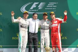 Podium: second place Nico Rosberg, Mercedes AMG F1, Peter Bonnington, Mercedes AMG F1 race engineer, Race winner Lewis Hamilton, Mercedes AMG F1, third place Sebastian Vettel, Ferrari