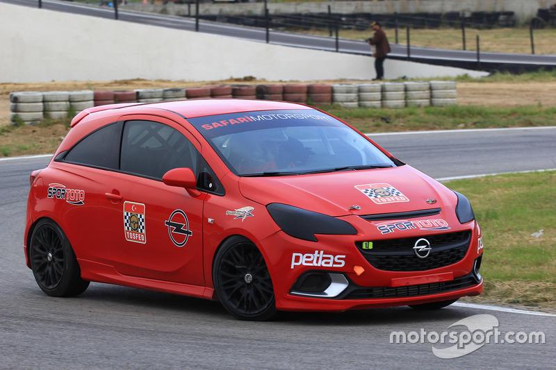 Opel Corsa OPC mücadelesi