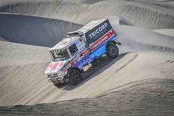 #516 Scania: Maurik van den Heuvel, Wilko van Oort, Martijn van Rooij