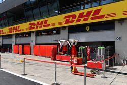 Ferrari cajas de boxes y pantallas de garaje