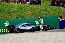 Valtteri Bottas, Mercedes-AMG F1 W09 valt uit