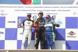 Podio DSG Gara 1: il secondo classificato Massimiliano Gagliano, il vincitore Giovanni Altoè, Pit Lane Competizioni, il terzo classificato Ermanno Dionisio, Pit Lane Competizioni
