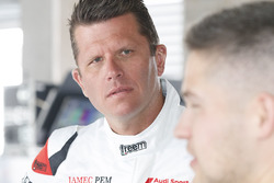 #22 Audi Sport Customer Racing Audi R8 LMS: Garth Tander