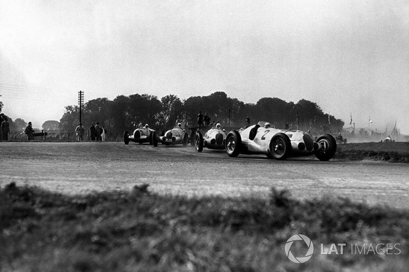 O recordista de vitórias do GP da Alemanha nunca triunfou em uma corrida válida pelo campeonato da F1. Rudolf Caracciola subiu ao lugar mais alto do pódio em seis oportunidades: 1926, 1928, 1931, 1932, 1937 e 1939.
