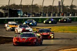 #64 Scuderia Corsa Ferrari 488 GT3, GTD: Bill Sweedler, Townsend Bell, Frankie Montecalvo, Sam Bird