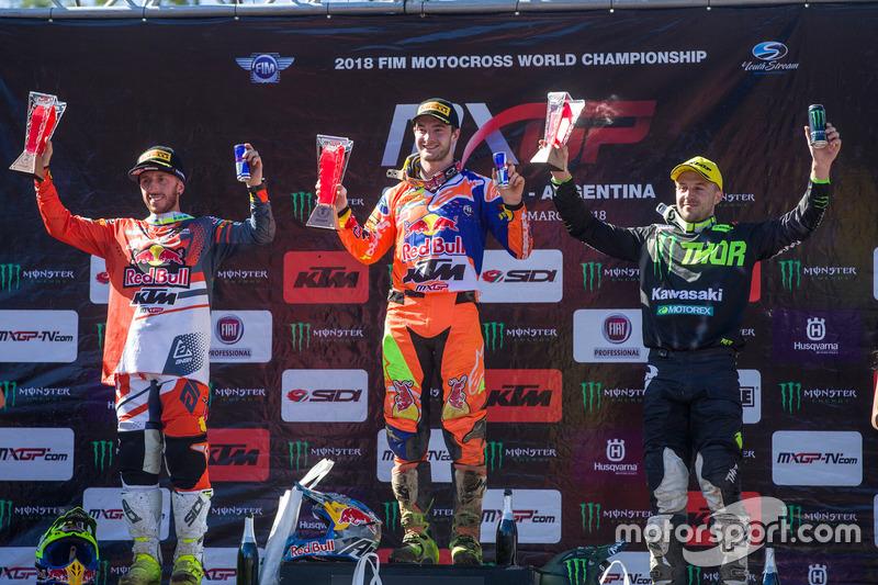 Ganador Jeffrey Herlings, Red Bull KTM Factory Racing, segundo Tony Cairoli, Red Bull KTM Factory Racing, tercero Clement Desalle, Kawasaki MXGP Racing Team