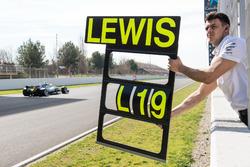 Pit board Lewis Hamilton, Mercedes AMG F1 W09