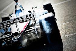 Josef Newgarden, Team Penske Chevrolet quemando rueda