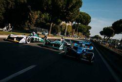 Sébastien Buemi, Renault e.Dams leads Nelson Piquet Jr., Jaguar Racing leads Lucas di Grassi, Audi S