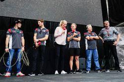 Santino Ferrucci, Haas F1 Team, Romain Grosjean, Haas F1 Team, Kevin Magnussen, Haas F1 Team, Gene H