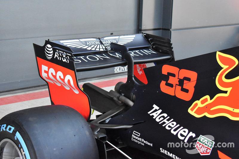 Red Bull Racing RB14 achtervleugel