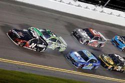 Kyle Busch, Joe Gibbs Racing, Toyota Camry Interstate Batteries kaza