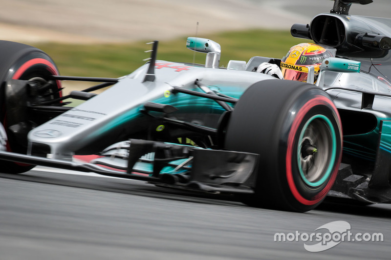 4: Lewis Hamilton, Mercedes AMG F1 W08, 1:20.983, supersofts, day 2 (234 laps)