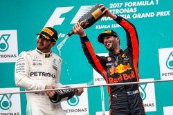 Podyum: 2. Lewis Hamilton, Mercedes AMG F1 ve 3. Daniel Ricciardo, Red Bull Racing