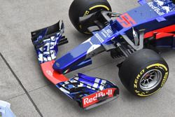 Scuderia Toro Rosso STR12 front detail