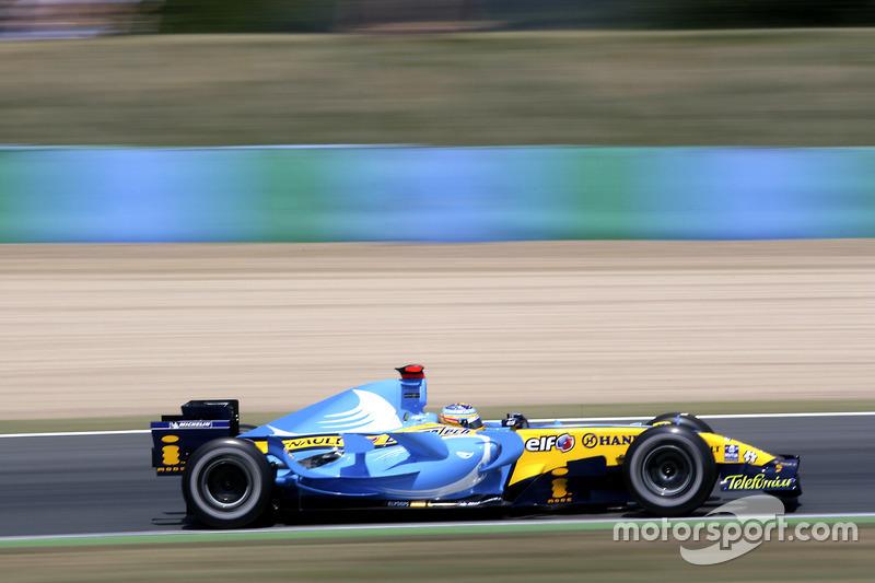 Renault en el Gran Premio de Francia 2006: el equipo francés cambió aún más la decoración, tratando de llenar el vacío después de la desaparición del anuncio de Mild Seven, como se ve en la foto de Alonso