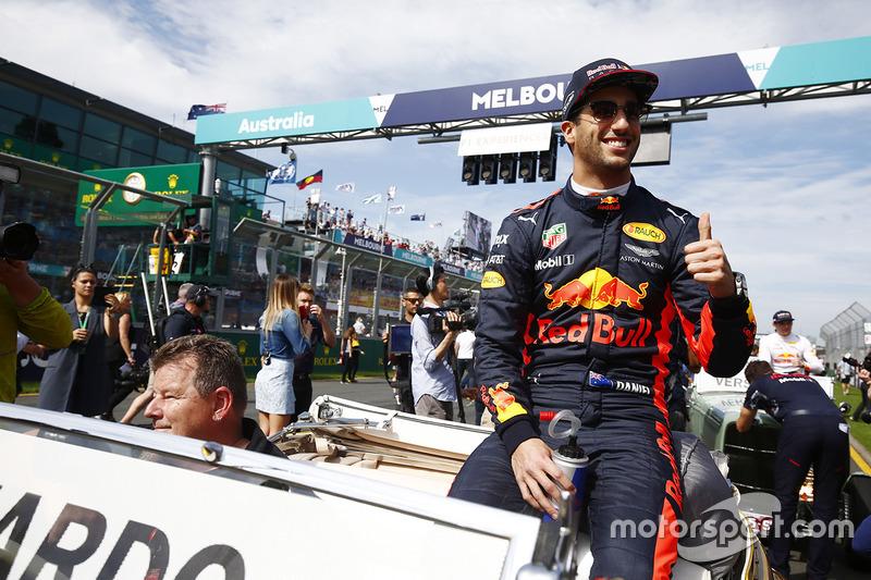 Daniel Ricciardo, Red Bull Racing, en el desfile de pilotos