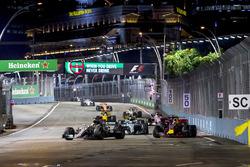 Lewis Hamilton, Mercedes AMG F1 W08, Daniel Ricciardo, Red Bull Racing RB13, Valtteri Bottas, Merced