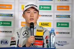 Conferenza stampa, Tadasuke Makino, Hitech Grand Prix, Dallara F317 - Mercedes-Benz