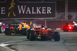 Daniil Kvyat, Scuderia Toro Rosso STR12, Fernando Alonso, McLaren MCL32 and Kevin Magnussen, Haas F1 Team VF-17 run wide to avoid Sebastian Vettel, Ferrari SF70H