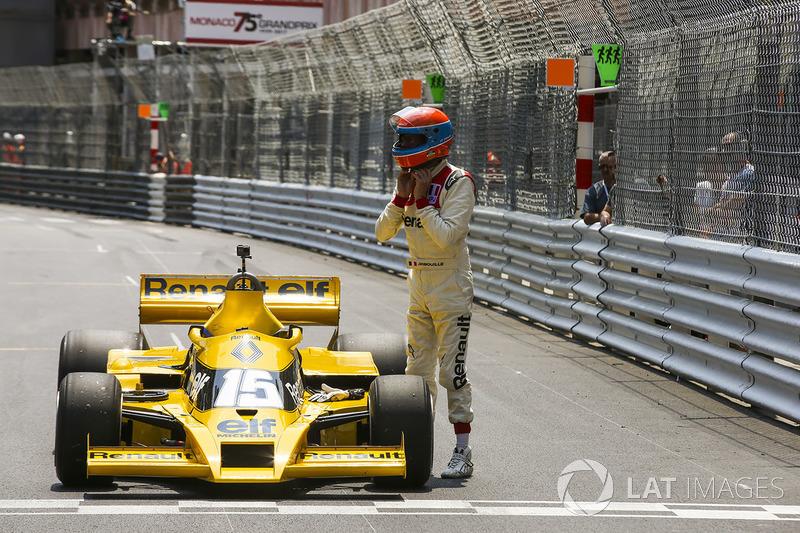 Жан-Пьер Жабуй, Renault Sport F1 Team RS01