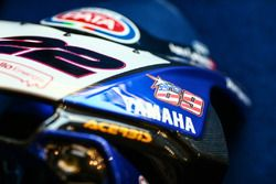 The fairing of Alex Lowes, Pata Yamaha with a Nicky Hayden sticker