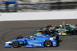 Tony Kanaan, Chip Ganassi Racing Honda, Ed Carpenter, Ed Carpenter Racing Chevrolet
