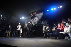 Lewis Hamilton, Mercedes AMG F1, Valtteri Bottas, Mercedes AMG F1, with fans on stage