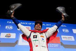 Podyum: Yarış galibi Mehdi Bennani, Sébastien Loeb Racing, Citroën C-Elysée WTCC