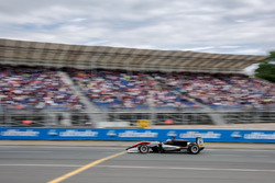 Espectadores, Jake Hughes, Hitech Grand Prix, Dallara F317 - Mercedes-Benz