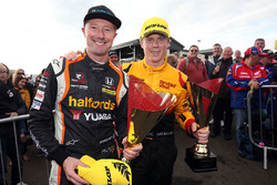 Second place Gordon Shedden, Team Dynamics Honda Civic Type R, Rory Butcher, Team Shredded Wheat Racing with Duo Ford Focus