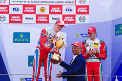 Podium: race winner Ralf Aron, third place Mick Schumacher