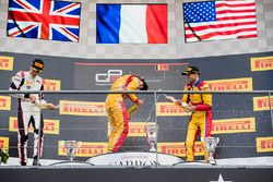 Podium: winnaar Giuliano Alesi, Trident, 2e plaats George Russell, ART Grand Prix, 3e plaats Ryan Tv