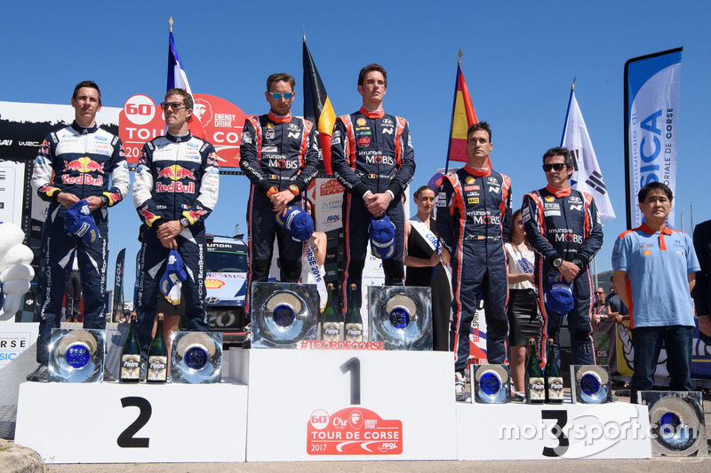 Podium: 1. Thierry Neuville, Nicolas Gilsoul, Hyundai i20 Coupe WRC, Hyundai Motorsport; 2. Sébastie