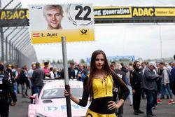 Chica de la parrilla para Lucas Auer, Mercedes-AMG Team HWA, Mercedes-AMG C63 DTM
