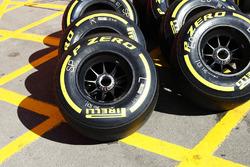 Super Soft Pirelli tyres