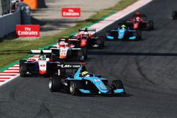 Arjun Maini, Jenzer Motorsport mène le peloton