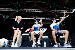 Felipe Massa, Williams, Lance Stroll, Williams, en el escenario de la F1